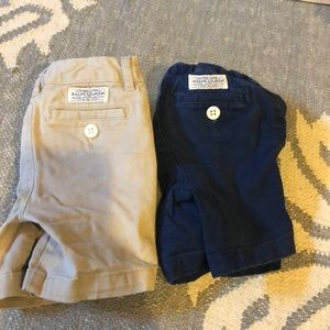 Pair of Ralph Lauren boys shorts (3T)